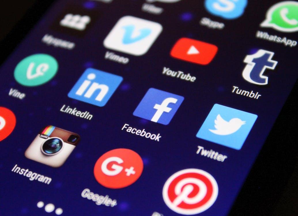 Como utilizar as redes sociais para impulsionar o seu novo negócio digital